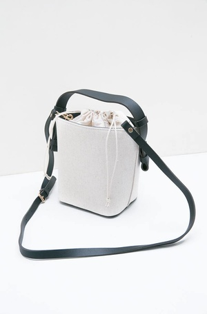 Trianna Octarina Classic Bucket Bag White 6f0a17d3dc