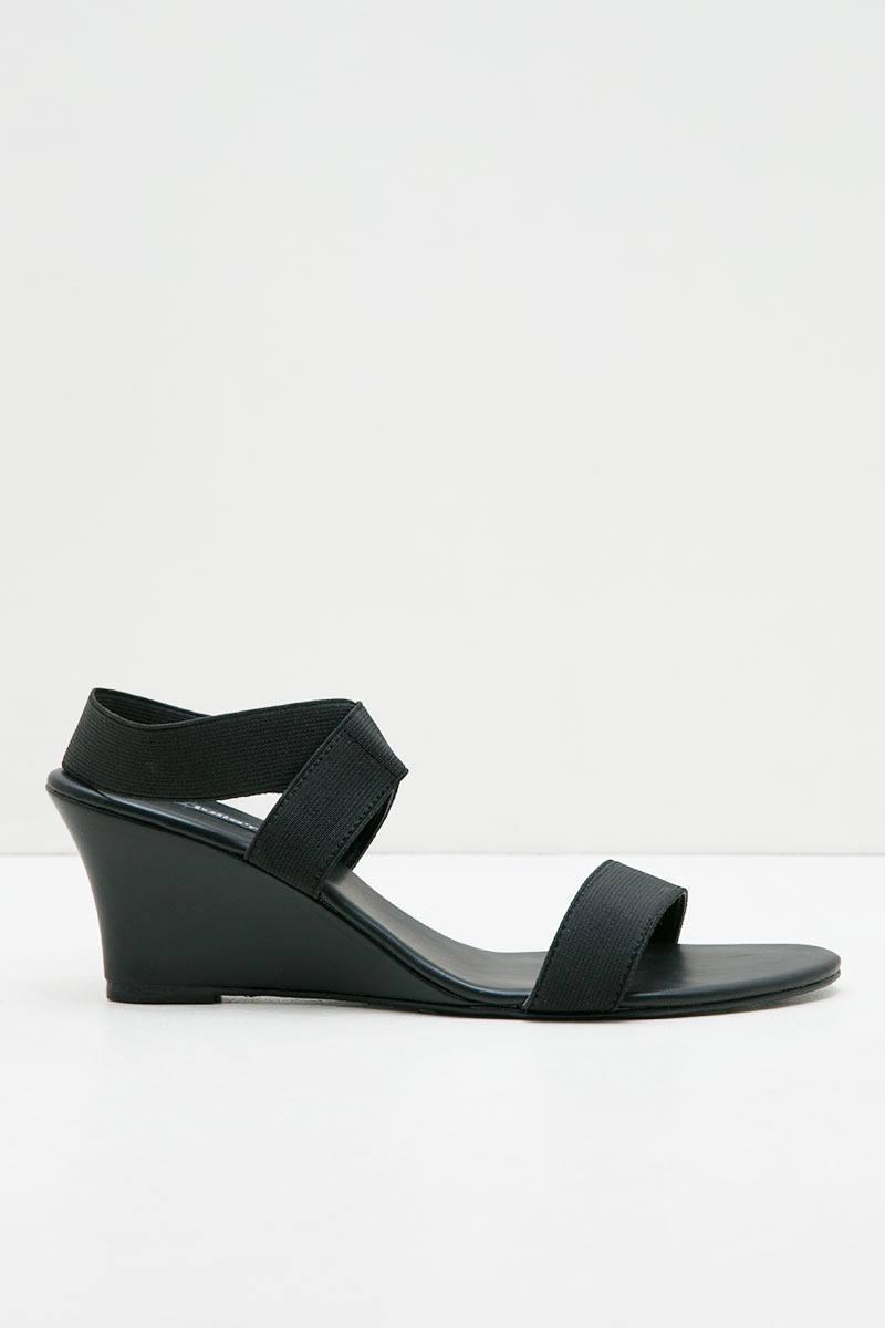 Britany Juliar Shoes Black