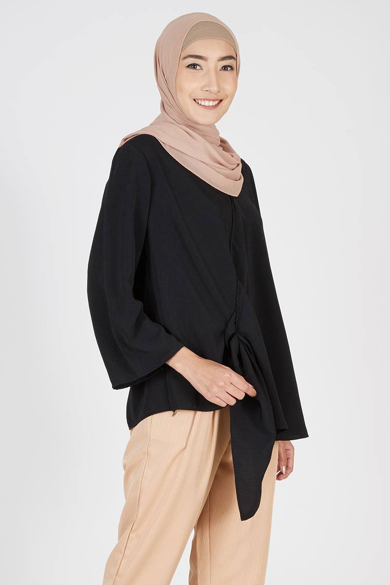 Black Rania Top