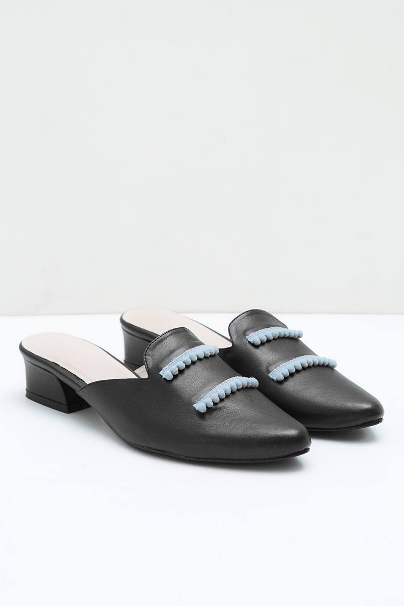 Florence Mules Sandals in Black Grey
