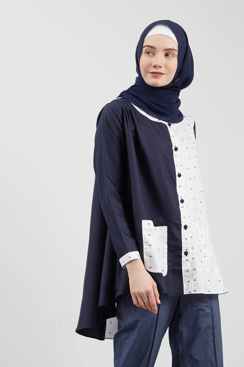 Syaheera Buttonia Tops Navy