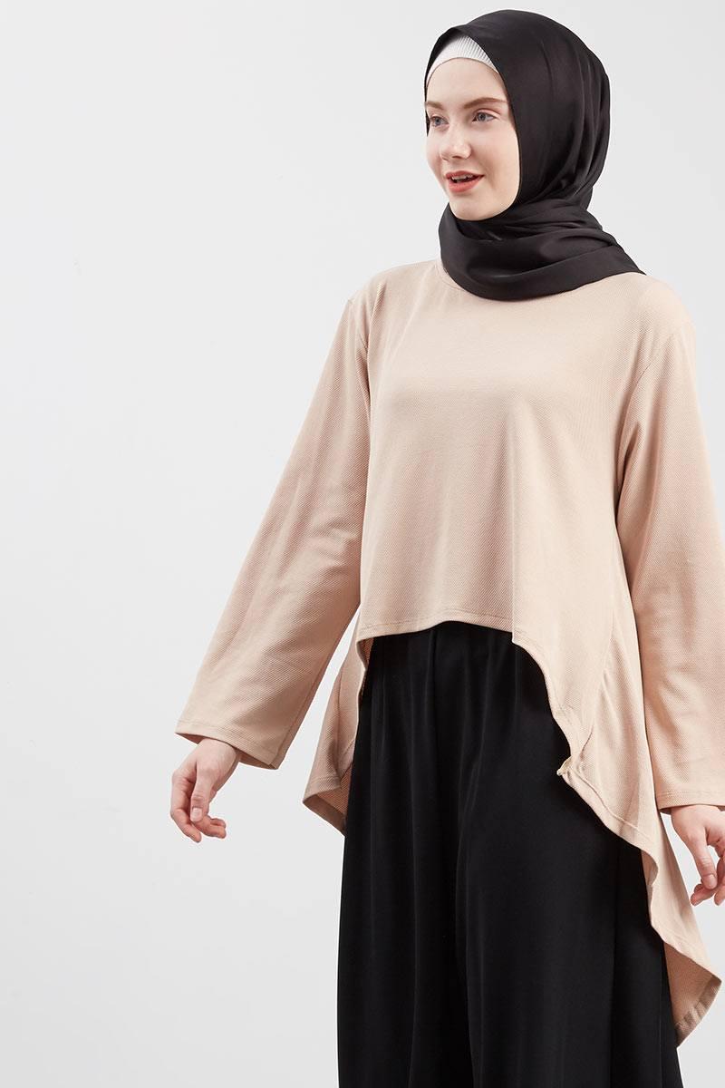 Aminah Asimetris Blouse Cream